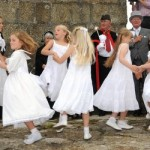 Knill dancers